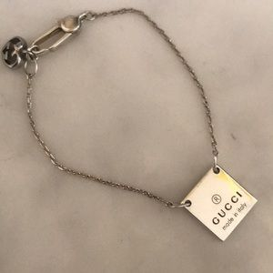 Gucci 9.25 Sterling Silver Bracelet Made in Italy.